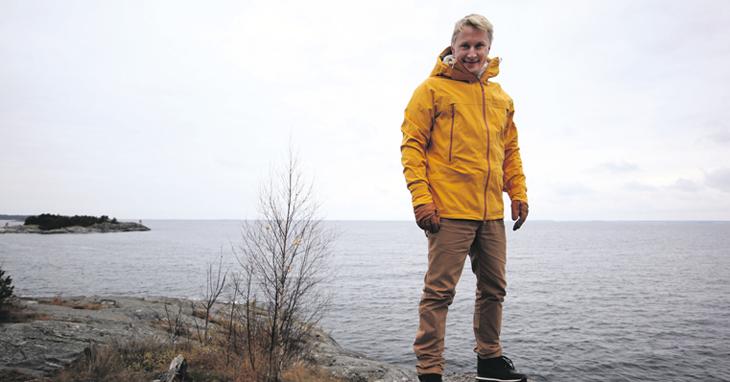 Blinkin Tuomas Lehtonen on myymälöiden teknisen tuotannon mestari